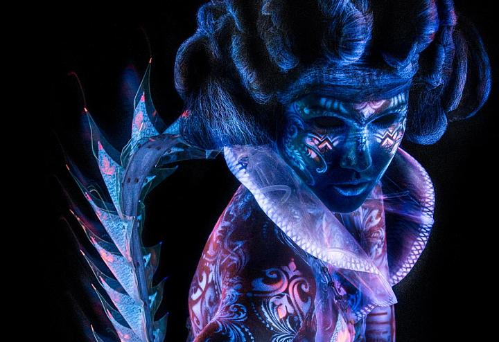 妖艳夺目的紫外线创意摄影作品