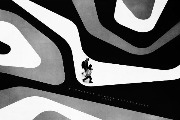 线性体块与曲线形雕塑的创意空间-iluma图片